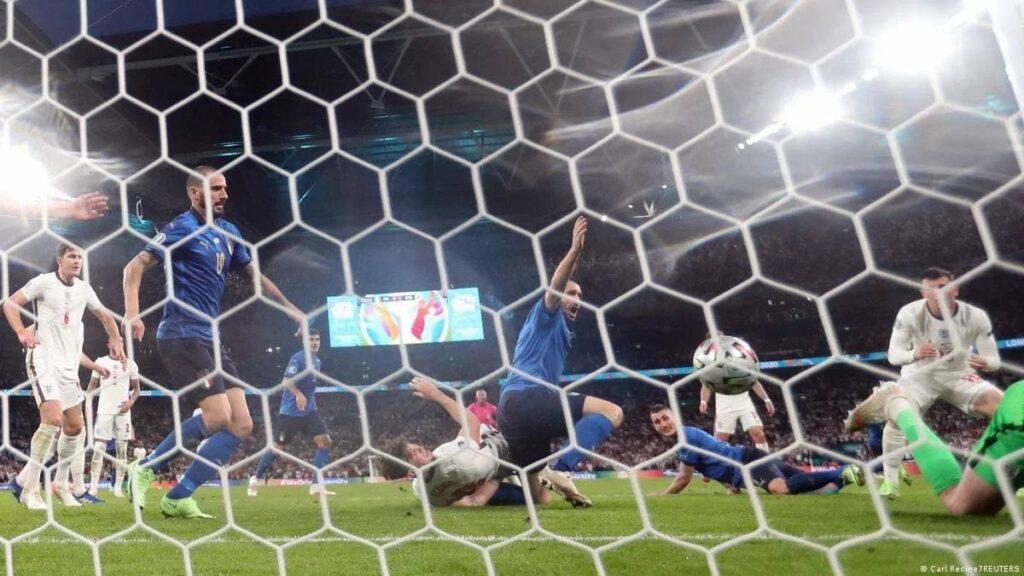 歐國盃決賽 義大利二度奪冠 延長賽PK戰3比2擊敗英格蘭 - 義大利關鍵進球
